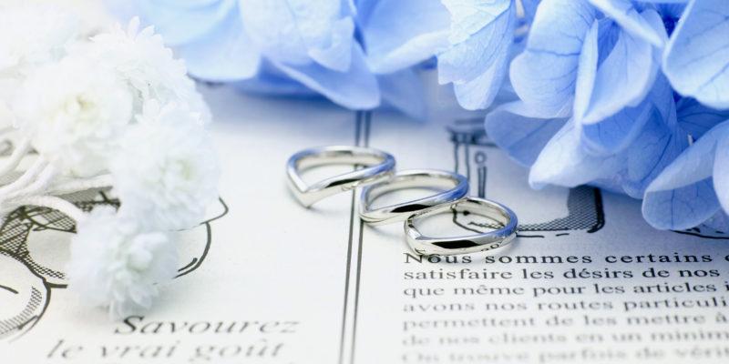 結婚指輪のミニチュアデザインのベビーリング